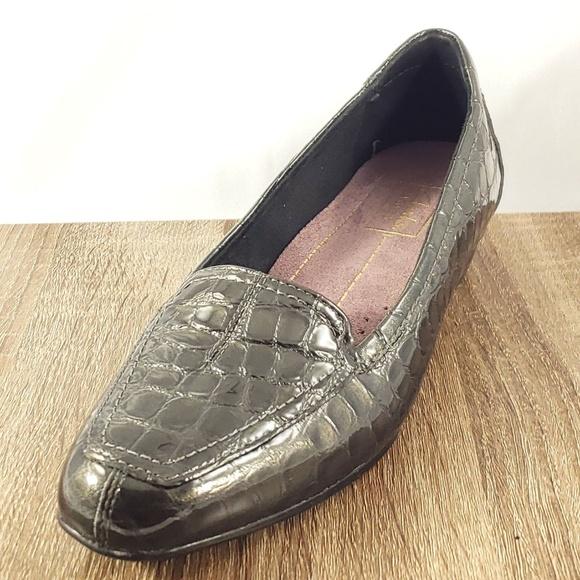 40ac6016eb3 Clarks Shoes - CLARKS Women s Keesha Luca Slip-On Loafer Gray
